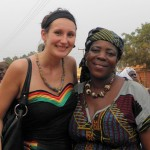 Joyce Obeng, oprichtster van Mother Cares Orphanage and Welfare Home met voorzitter Lola Nouwens