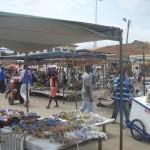 De grootste kralenmarkt in Ghana is die van Koforidua. Elke donderdag worden daar ontzettend veel kralen verkocht. Wij kopen daar jaarlijks kralen in, die gebruikt worden in de workshops bij Mother Cares.